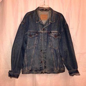 Vintage Levi's XL Denim Trucker Jacket!! Unisex